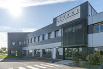 Strand Cosmetics Europe inaugure son usine