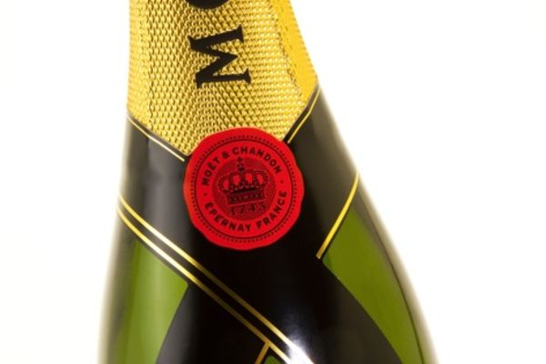 Moët & Chandon choisit des cravates Fasson